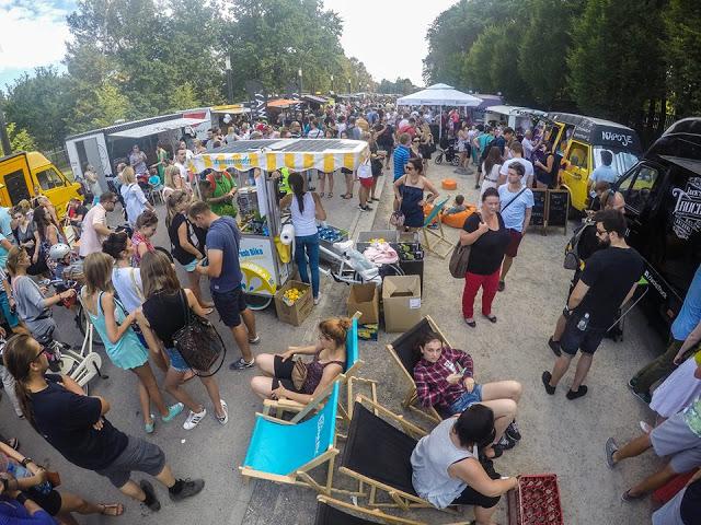 29 – 30 sierpnia 2015, ŻARCIE NA KÓŁKACH: Festiwal Food Trucków i Drugie Mistrzostwa Burgerowe, Błonia Stadionu Narodowego