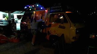 29 - 30 sierpnia 2015, ŻARCIE NA KÓŁKACH: Festiwal Food Trucków i Drugie Mistrzostwa Burgerowe, Błonia Stadionu Narodowego