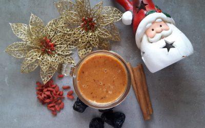 Smoothie z suszoną śliwką i cynamonem. Świąteczna alternatywa dla kompotu z suszu.