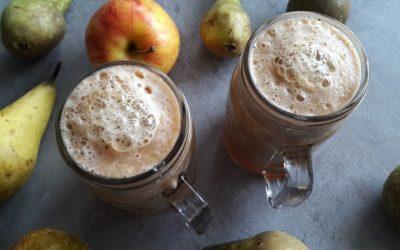 Domowa klasyka. Świeżo wyciskany sok z gruszki i jabłka.