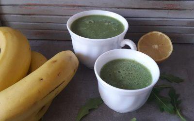 Green Drin z cytryną, rukolą i spiruliną – zielony detox