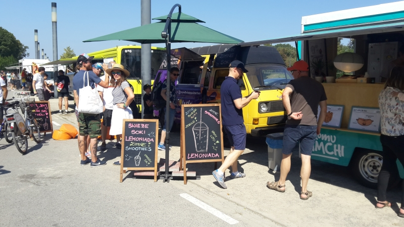 Sokowirówka Food Truck, 27 - 28 sierpnia 2016, Żarcie Na Kółkach: Festiwal Food Trucków i 3. Mistrzostwa Burgerowe, PGE Narodowy